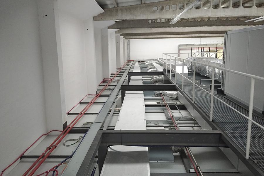 Proyecto de climatización en una sala de fabricación de mascarillas para Mondragon Assembly